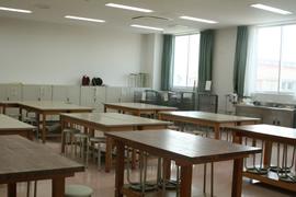 小児保健実習室/理科実験室